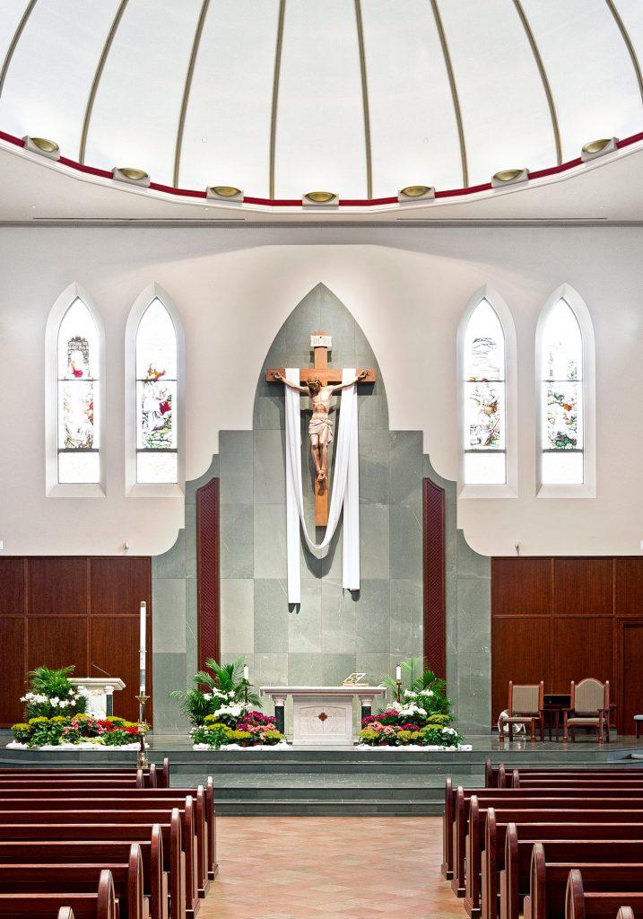 Crucifix, St. Michael Church in Wheaton, Illinois (USA)