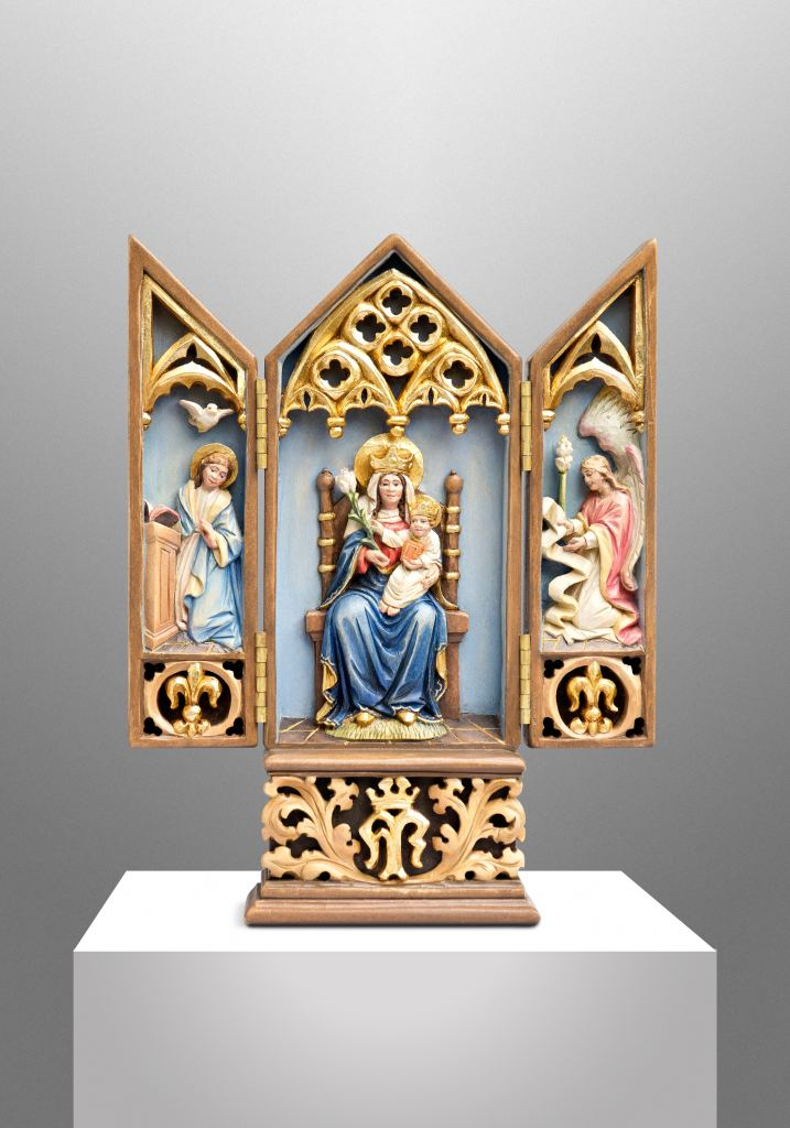Travel triptych altar for a priest in Maryland (USA)
