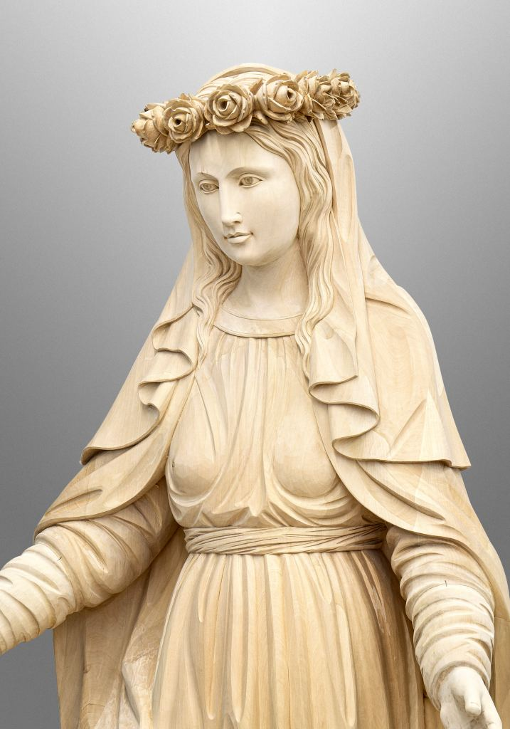 Immaculata with detachable flower crown for St. Stephen Catholic Church in Riverview, FL (USA)
